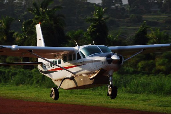uganda-flying-Safari